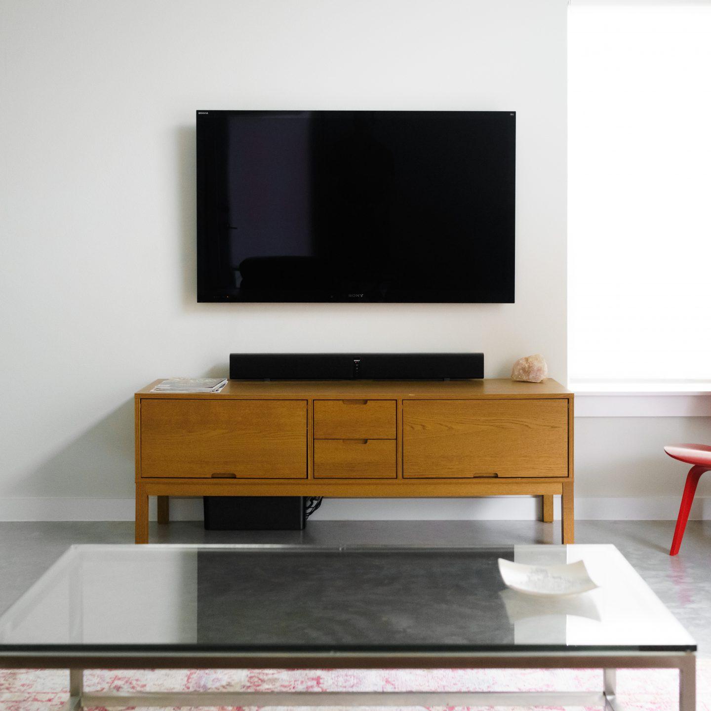 TV beugel beschermt je TV tegen je spelende kids